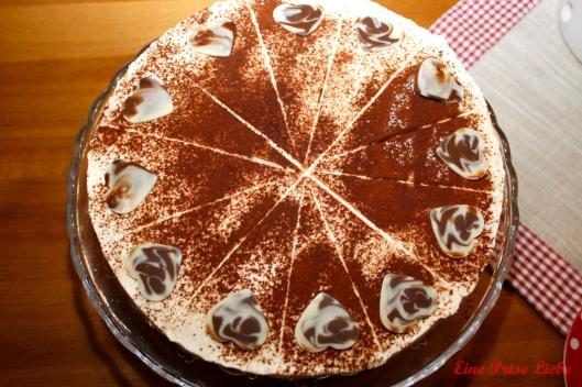 Mohn-Preiselbeer-Torte